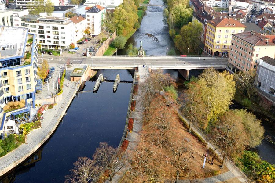 Flussufer 1